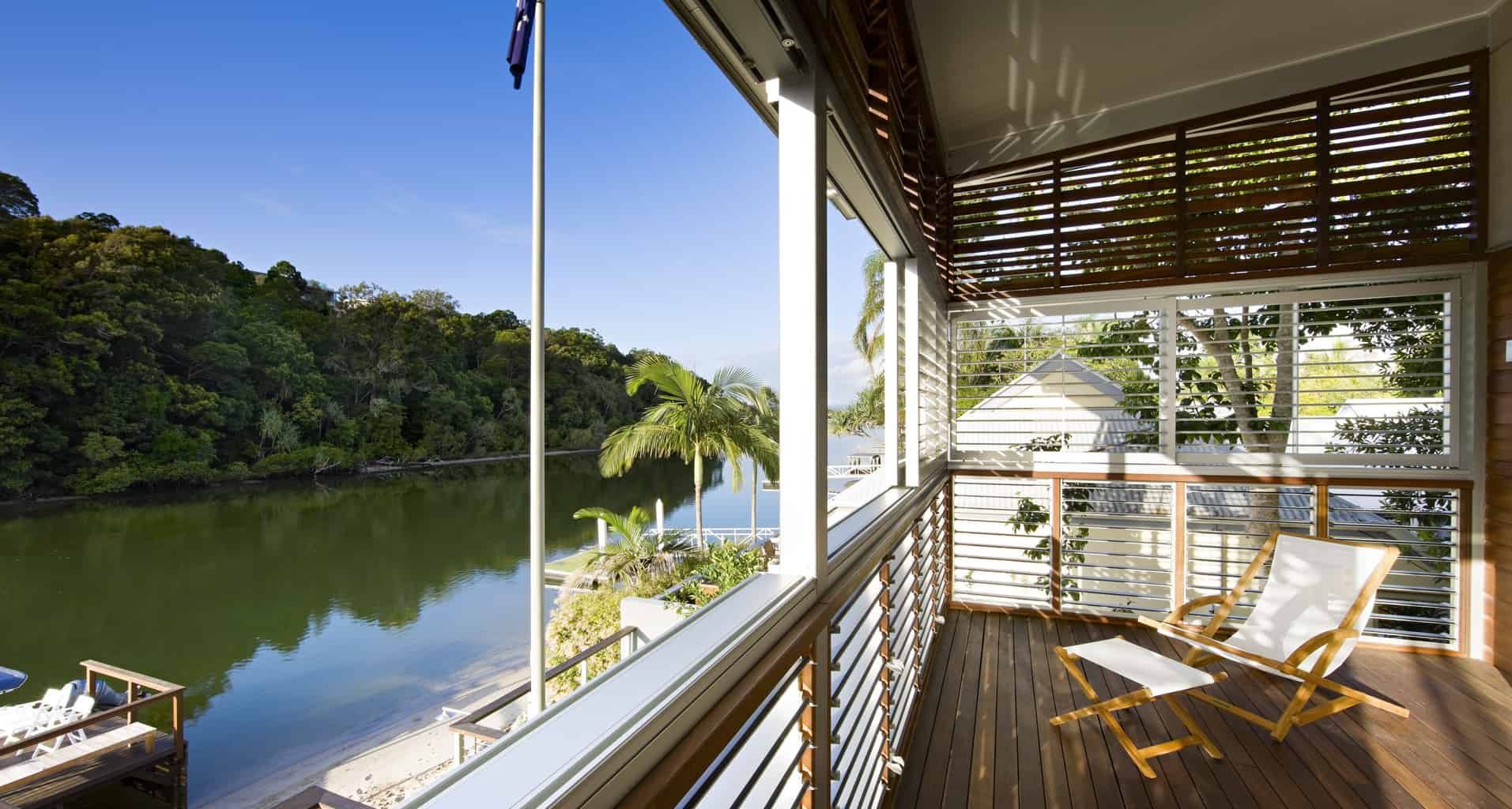 Relaxed river living in Noosa
