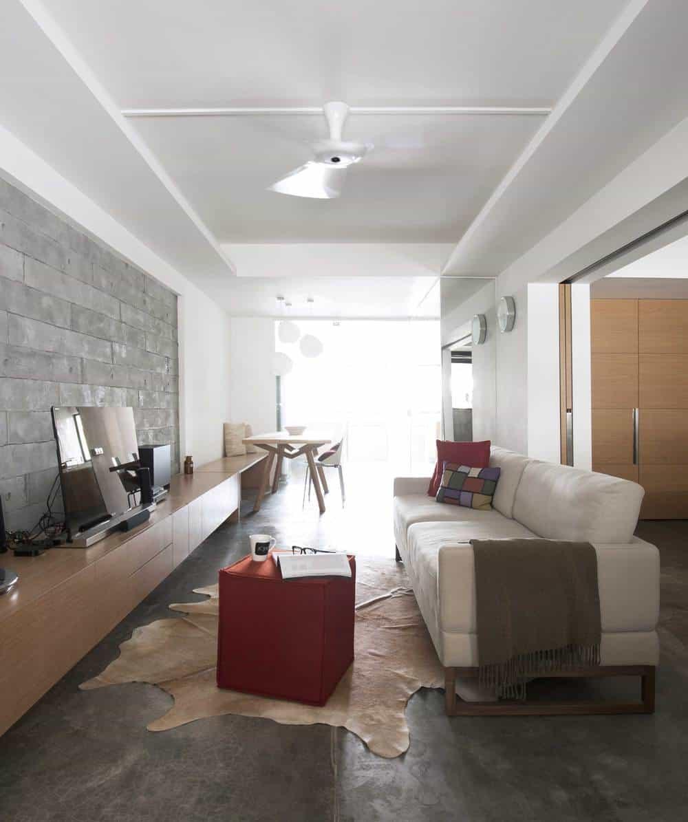 A contemporary apartment, Singapore style