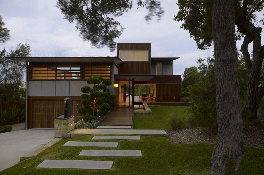 Wamberal beach house by Virginia Kerridge