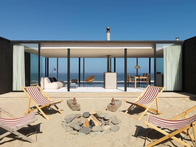 Transparent minimalism for Chilean beach house