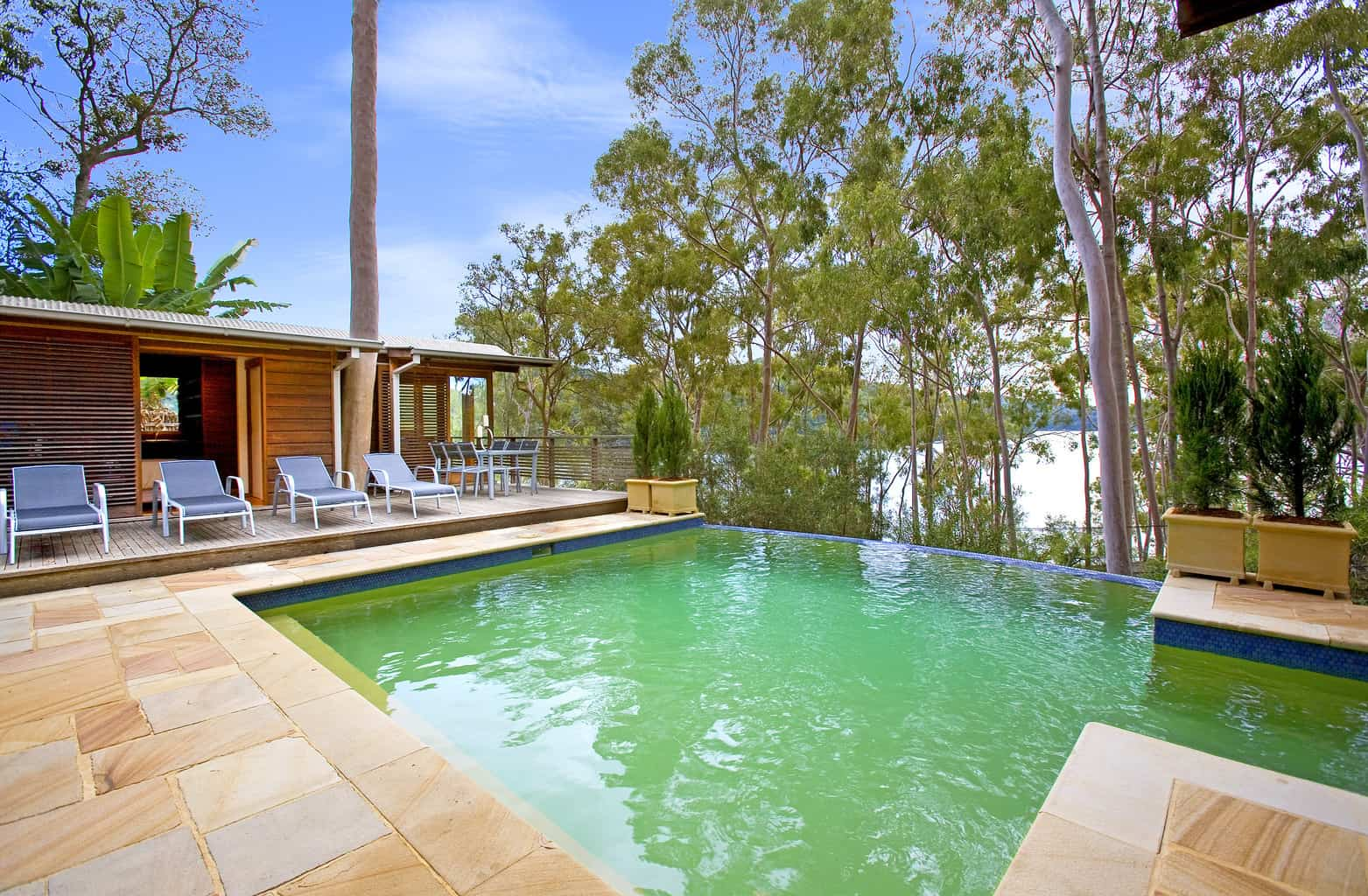 2 cottage point swimming pool