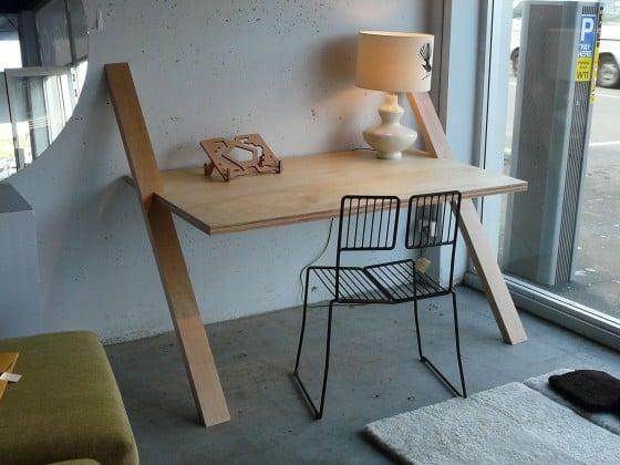 Object of Desire: floating desk by Yoyo Design