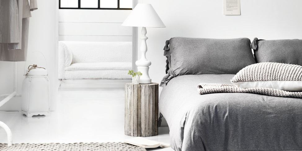 Desiring: this side table