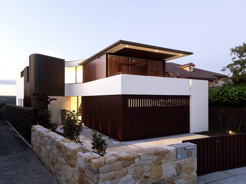 Sydney residence with a striking street presence