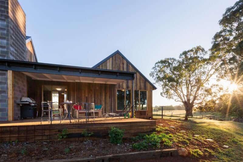 off grid trentham house designed by Maxa Design