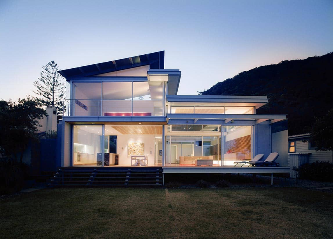 Glass pavilion architecture on Pearl Beach