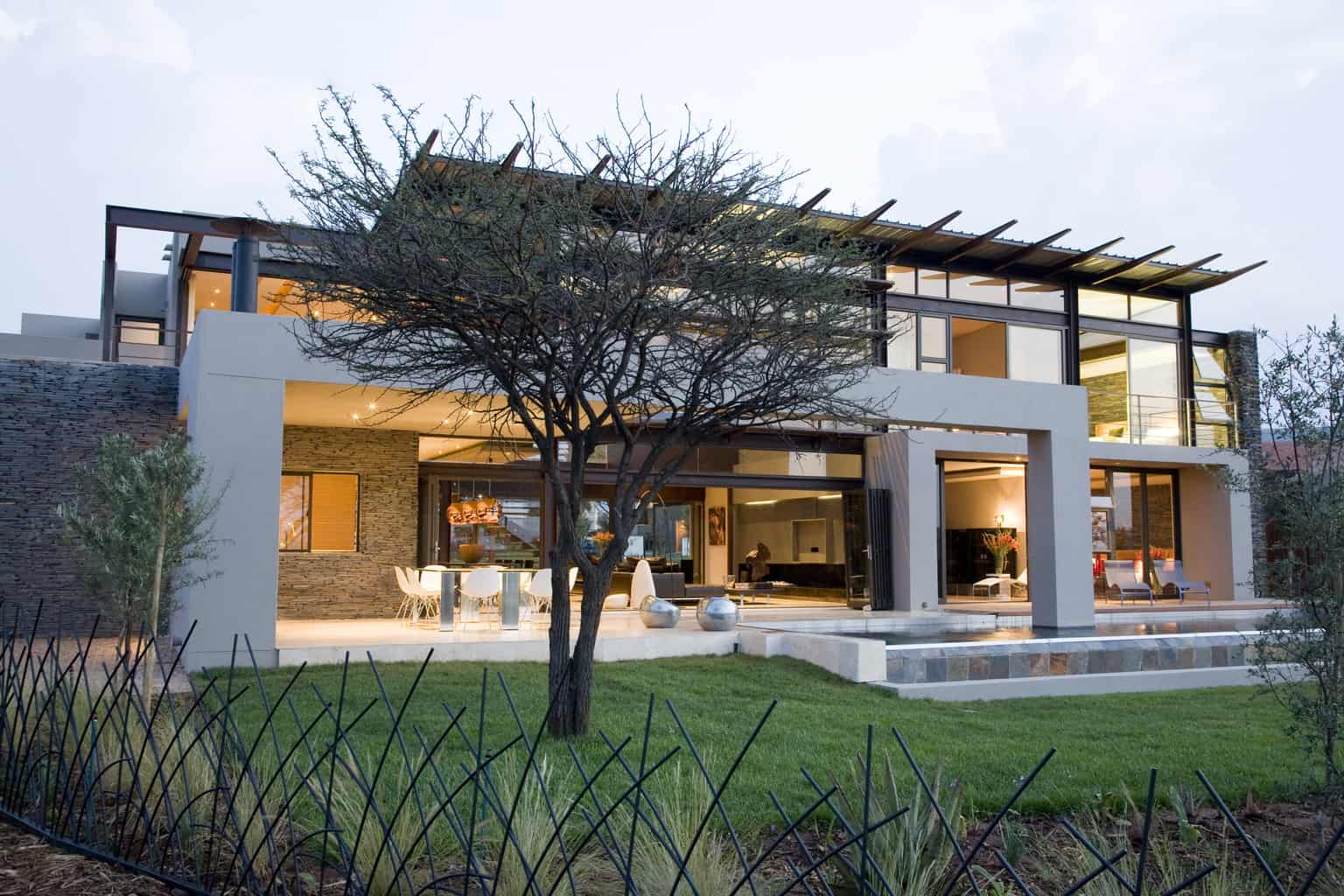 Johannesburg architecture made of rock, steel & wood